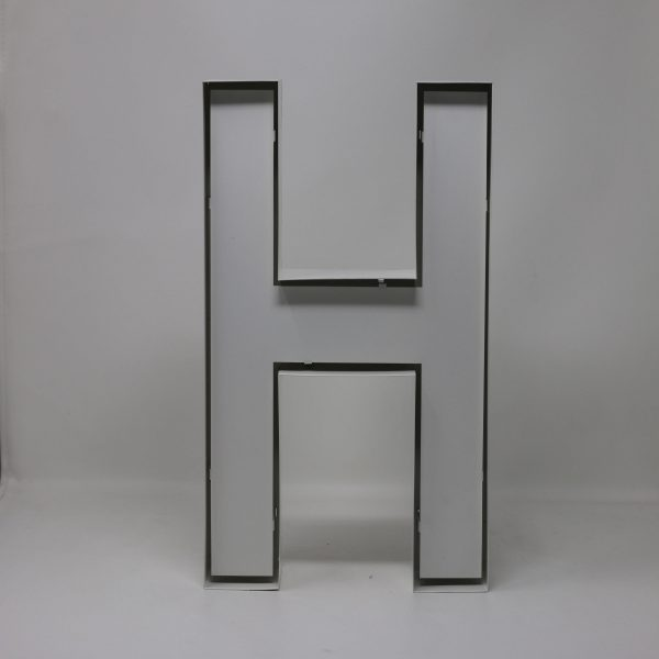 Quizzy Neon Style letter H