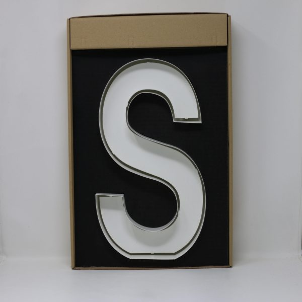Quizzy Neon Style letter S