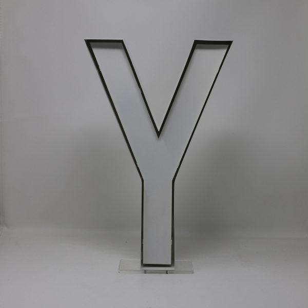 Quizzy Neon Style letter Y